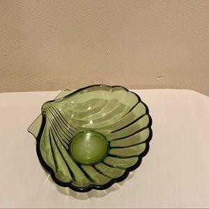 Green shell dish